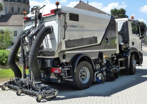 SWEEPER TRUCKS (AS660)